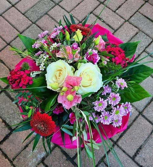 Blumenstrauß in rosa und rot
